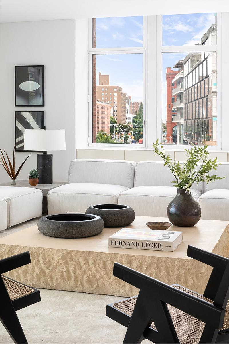 カニエウェスト ニューヨーク kanye west new york apartment city soho 25 west houston street core emily beare listing buy cop purchase kim kardashian design Claudio Silvestrin architect design minimal