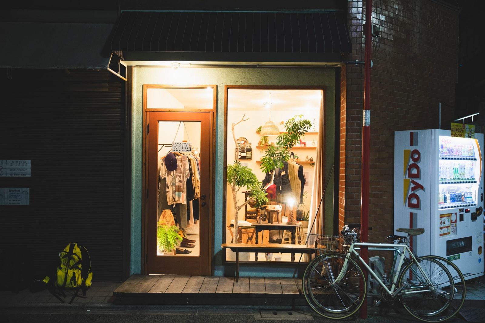 今最も注目したい東京の古着屋 8 選 Agitation Free MUD STRANGER VELVET PALETOWN COUNTER I&I STORE