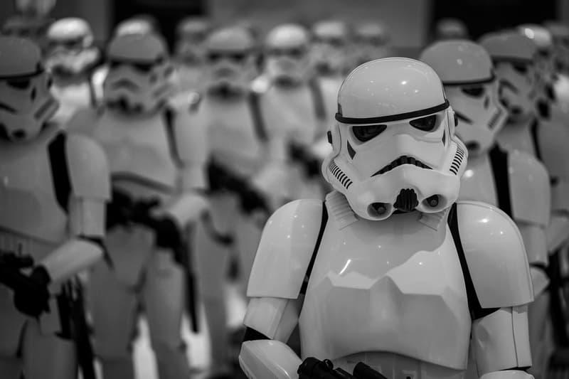 """アディダスがスターウォーズのストームトルーパー仕様のスニーカーを発表 Star Wars x adidas Nite Jogger """"Stormtrooper"""" first look three stripes collaborations"""