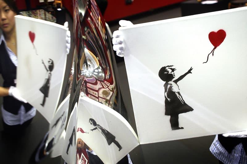 バンクシーのアートワークを使用したアルバムが110万円超える価格で販売される Banksy-Designed Röyksopp Melody A.M Vinyl Sale News art record art vinyl spray paint stencil