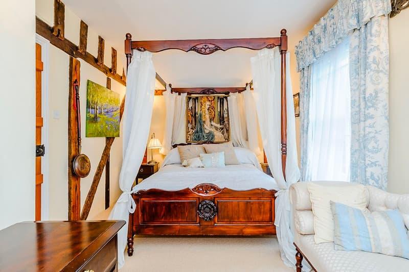 Harry Potter ハリーポッター Godric's Hollow ゴドリックの谷 Home 宿泊 サービス Rent Airbnb jk rowling daniel radcliffe