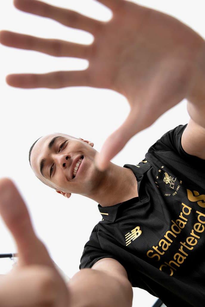 """リヴァプール × ニューバランスより6度の欧州制覇を祝した限定コレクションが登場 Liverpool's """"Six Times"""" Black Collection new balance football soccer kits limited edition European champions"""