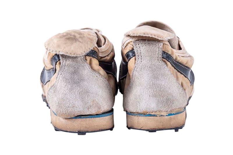 """ナイキの伝説的スニーカー Moon Shoeがオークションサイトに再び登場 Nike """"Moon Shoe,"""" Oregon Jersey Auction $100,000 USD price bid Goldin Auctions sneaker singlet december 7 2019 sale original bill bowerman waffle sole"""