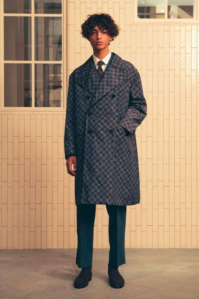 UNITED ARROWS SONS Fall Winter 2019 Lookbook poggy the man bespoke sartorial blazers loafers tailoring dapper chino trench coat outerwear layer menswear japanese down