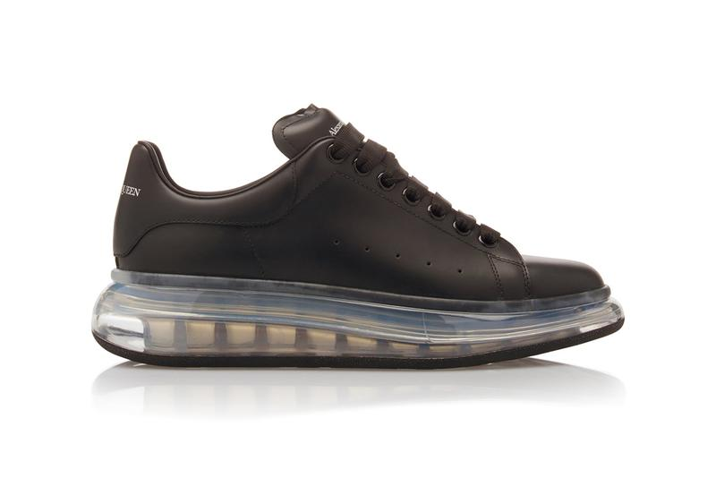 Alexander McQueen からエアソールを備えたオーバーサイズスニーカーがリリース Alexander McQueen Drops Leather Low-Top Sneakers Transparent Sole clear bounce modern detail trend