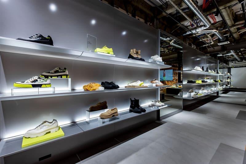パリ発のフットウェアブランド both が世界初となる旗艦店を青山にオープン ボース