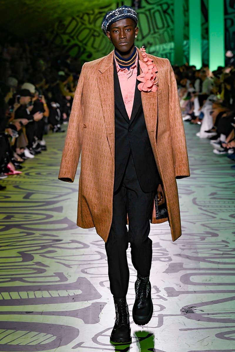 ディオール Dior Fall/Winter 2020 Miami Runway Show Closer Look Looks Kim Jones Shawn Stussy Air Jordan 1 High OG Menswear Tailoring Luxury Fashion Metal Saddle Bag Yoon Ahn pre collection