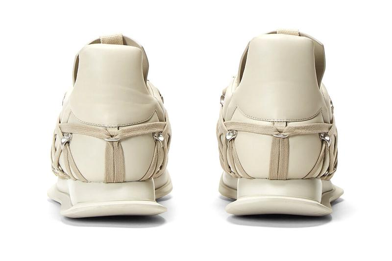 リック・オウエンス Rick Owens よりボンデージからインスピレーションを得たスニーカーが登場 Rick Owens Maximal Runner Beige sneakers footwear kicks runners trainers shoes streetwear bondage laces light brown silver toned eyelet hooks drkshdw made in italy leather suede
