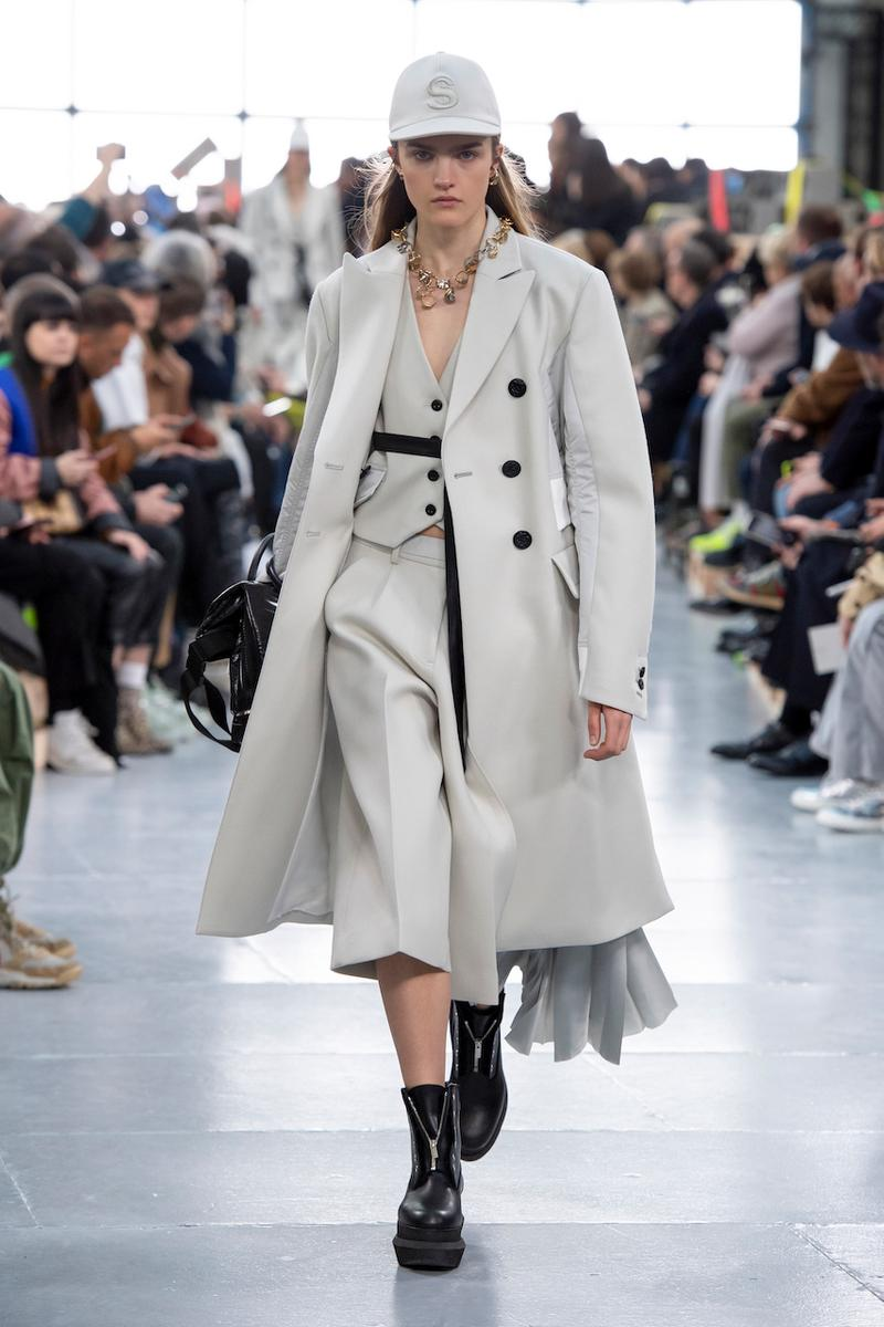 サカイ 2020年秋冬コレクションのバックステージに潜入 sacai Paris Fashion Week Fall Winter Runway Nike Pegasus Vaporfly pfw co ed chitose abe deconstruction military outerwear japanese designer layer styles leopard olive asymmetrical