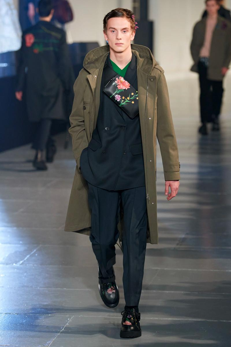 ヴァレンティノ 2020年秋冬コレクション オニツカタイガー Valentino Fall/Winter 2020 Runway Collection paris fashion week mens Pierpaolo Piccioli ready to wear flowers