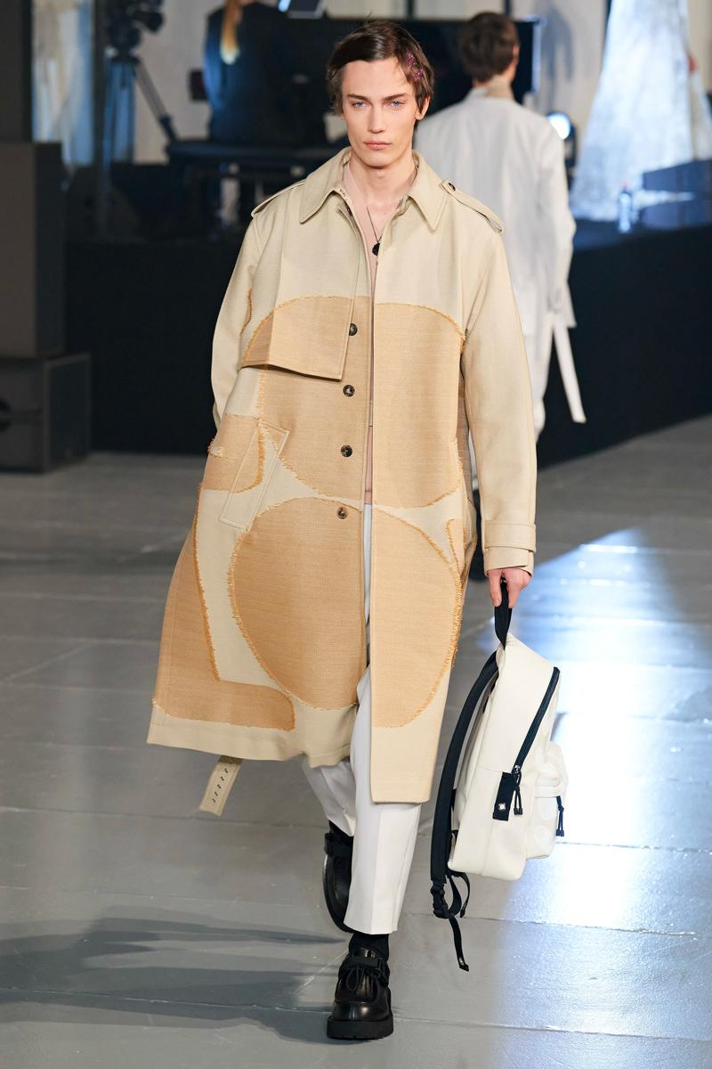 ヴァレンティノ 2020年秋冬コレクション オニツカタイガー Valentino Fall/Winter 2020 Runway Collection paris fashion week mens Pierpaolo Piccioli ready to wear flowers