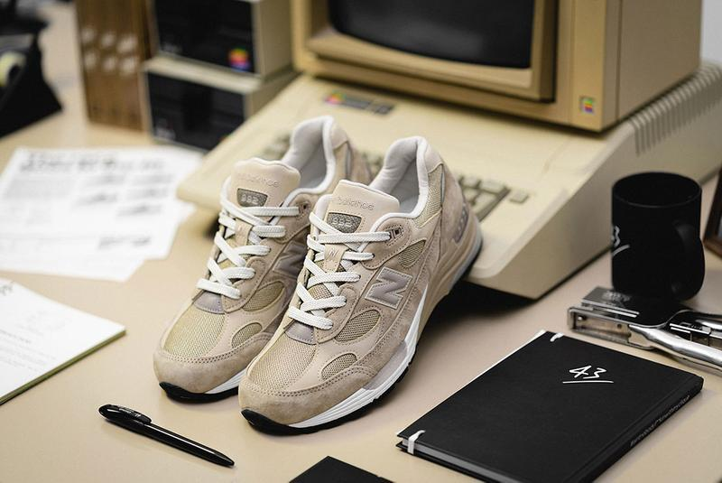 New Balance 992の復刻版が 43einhalb のエディトリアルに登場 43einhalb steve jobs apple new balance 992 one more thing editorial grey tan release date info photos price