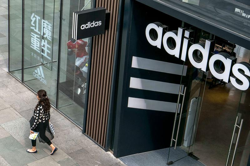 アディダス adidas が新型コロナウイルスの影響により中国における1千億円以上の売上減少を予測 adidas $1 Billion USD Chinese Sales Hit Coronavirus puma nike shares stocks price decline fall COVID-19