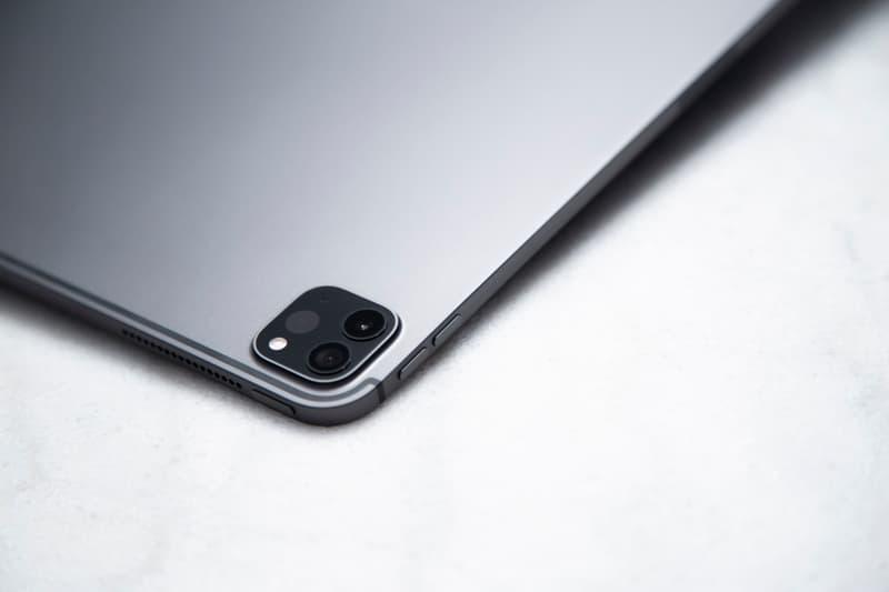 """アップルの新型 iPad Proにクローズアップ アイパッド Apple iPad Pro 12.9"""" Tablet Closer Look PC Laptop Replacement"""
