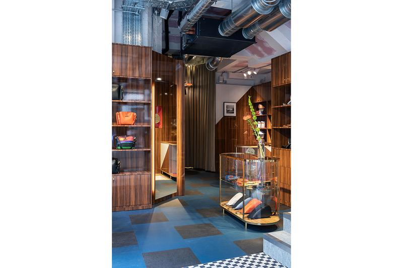 JW ANDERSON がロンドン・ソーホー地区に旗艦店をオープン JW Anderson Launches Soho London Flagship Store Menswear Womenswear Moncler Genius Line Jonathan Anderson Converse Design Brewer Street Wardour Street Neons Anchors