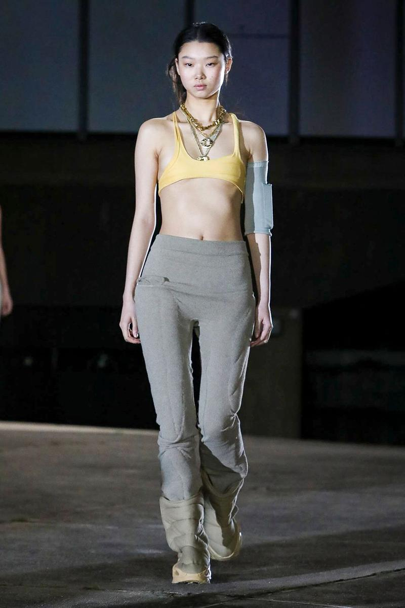 イージー シーズン 8 YEEZY Season 8 Collection With Kanye, North West paris fashion week runway show presentation womenswear sandals slide clothing apparel