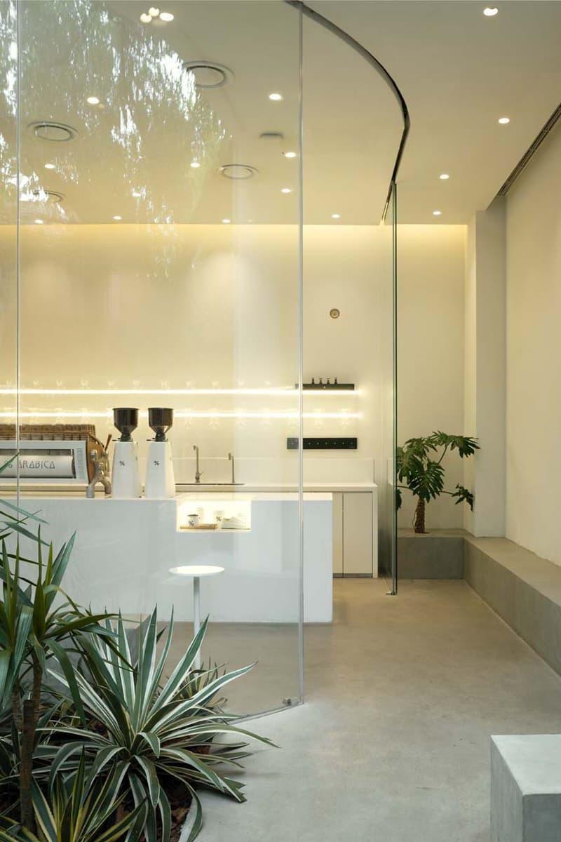 京都を拠点とする人気のコーヒーカンパニー %Arabica 上海店がリニューアルオープン coffee shanghai china modern % arabica percent blue architecture studio