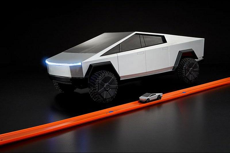 ホット ウィール テスラ サイバートラック 米ミニカーブランド Hot Wheels から Tesla Cybertruck のラジコンカーが登場 Hot Wheels x Tesla 1:64-Scale R/C Cybertruck Release Mattel RC Cars Toys collectibles Elon Musk SUVs Toys models