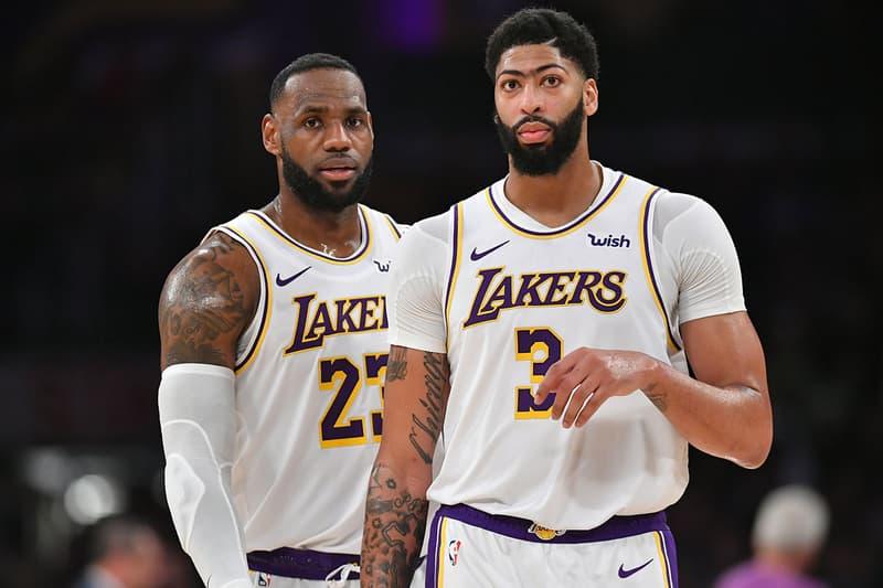 NBA選手の髪型を入れ替えると誰だかわからない件について ヒューストン・ロケッツのJames Harden(ジェームズ・ハーデン)とRussell Westbrook(ラッセル・ウェストブルック)。ルーキー時代のHardenは髭がなかったので、こんな感じだったが、Russは結構やばいな。お次はロサンゼルス・レイカーズのLeBron James(レブロン・ジェームズ)とAnthony Davis(アンソニー・デイビス)。Davisは言わずもがな、繋がりそうな眉毛がトレードマークなので、これがなくなると別人(トップ画はこれの元ネタ)。Zion Williamson(ザイオン・ウィリアムソン)やPaul George(ポール・ジョージ)のコーンローは意外と(?)似合っているので、今後是非トライしてみてほしい。そして、ダラス・マーベリックスのLuka Doncic(ルカ・ドンチッチ)
