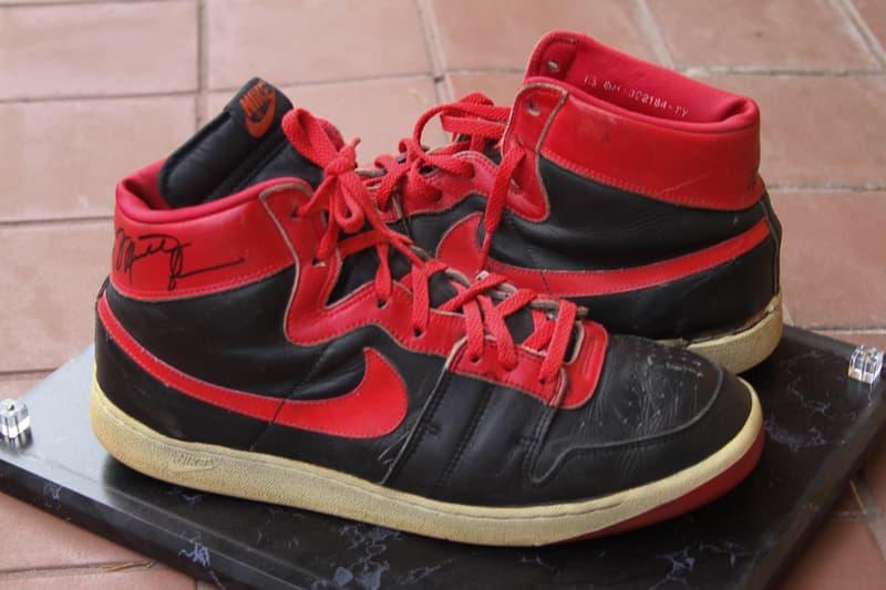 """エアジョーダン1 ナイキ エアシップ  AJ1 の前身モデルである幻の Nike Air Ship """"Banned"""" の画像が公開 michael jordan nike air ship banned shoes black red signed chicago bulls rookie"""