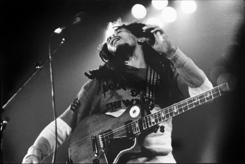 伝説的スーパースターの Prince や Kurt Cobain など様々なアーティストを捉えた貴重な作品のプリントセールを開催 God's Love We Deliver Photography Fundraiser Music Edition Julie Grahame Janette Beckman Luxlab Musicians Stars Prints