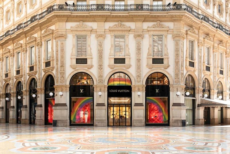 "Louis Vuitton が従業員や子供たちを動員したアートプロジェクト""The Rainbow Project""を始動 Louis Vuitton The Rainbow Project Window Designs Paris Madrid Rome Frankfurt Madrid Milan Rainbows Drawings Animations Local"