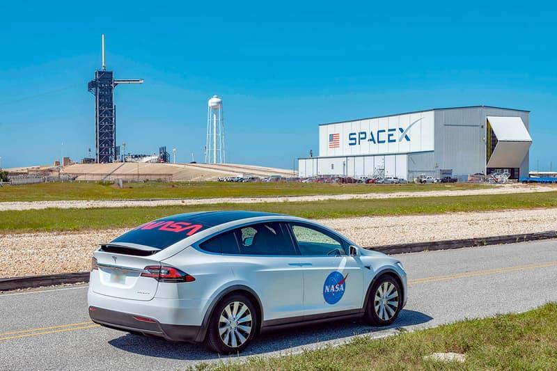 ナサ テルサ モデル X NASA 特別仕様の Tesla Model X のビジュアルが公開 Tesla Model X SUV NASA Outfitted Edition electric car spacex dragon demo 2 falcon 9 launch astronauts Bob Behnken Doug Hurley International Space Station meatball identifier