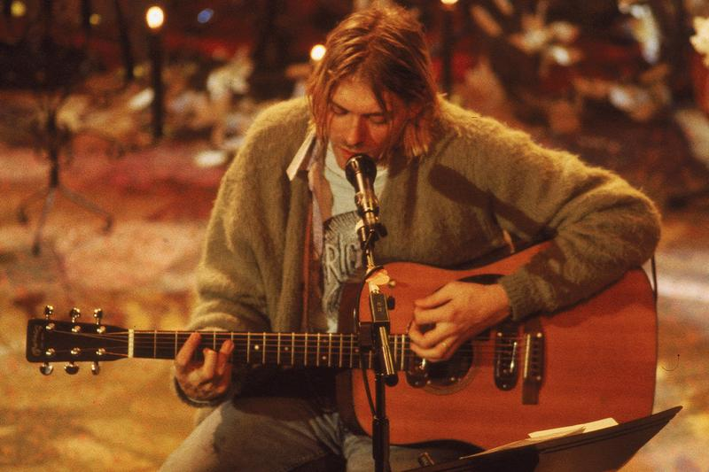 Nirvana カート・コバーンが MTV Unplugged で使用したギターが6億円以上の価格で落札 Kurt Cobain MTV Unplugged Guitar Auction Record Setting 6 Million USD grunge 90s rock new york Frances Bean Courtney Love Isaiah Silva peter freedman