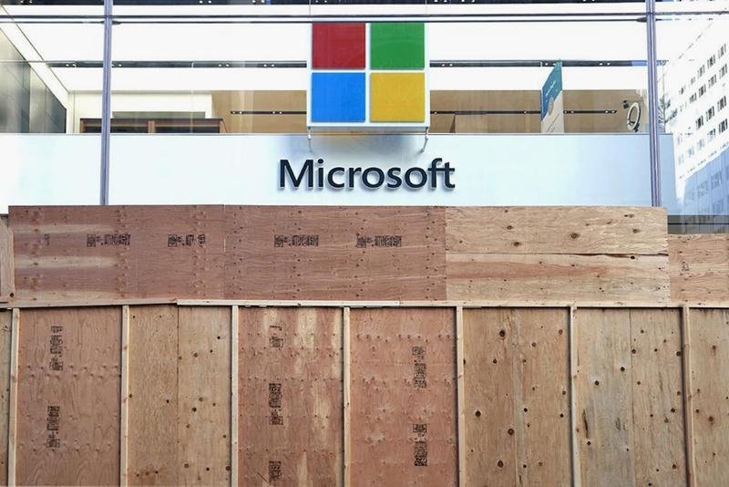 Microsoft が世界各地の実店舗を閉鎖 Microsoft to Close All Physical Retail Stores permanent coronavirus new york london sydney redmond digital