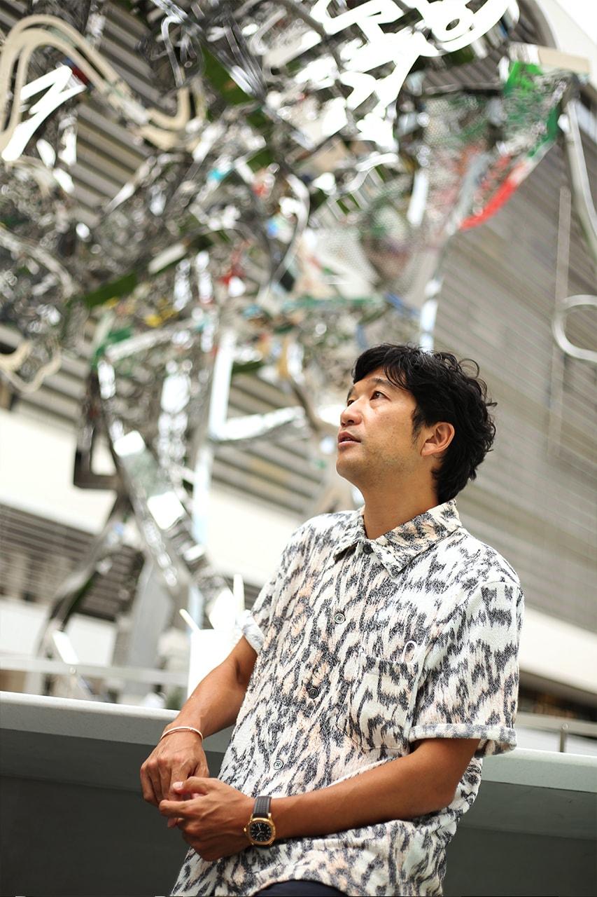 松山智一が東京の新たなアイコンとなるJR新宿駅東口のパブリックアート広場について語る インタビュー