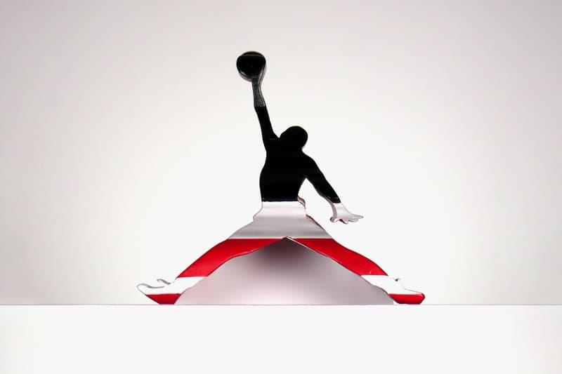ジャンプマンロゴがエアジョーダン1に変化するアート作品をチェック Jumpman Logo Sculpture Transform Into an Air Jordan 1