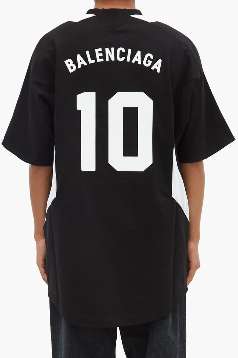 Balenciaga がリュクス感溢れる新作フットボールジャージを発表 Balenciaga Fall/Winter 2020 Football Jersey Logo-Embroidered Cotton-Jersey T-Shirt Soccer Demna Gvasalia Runway FW20 Show $780 USD Drop Release