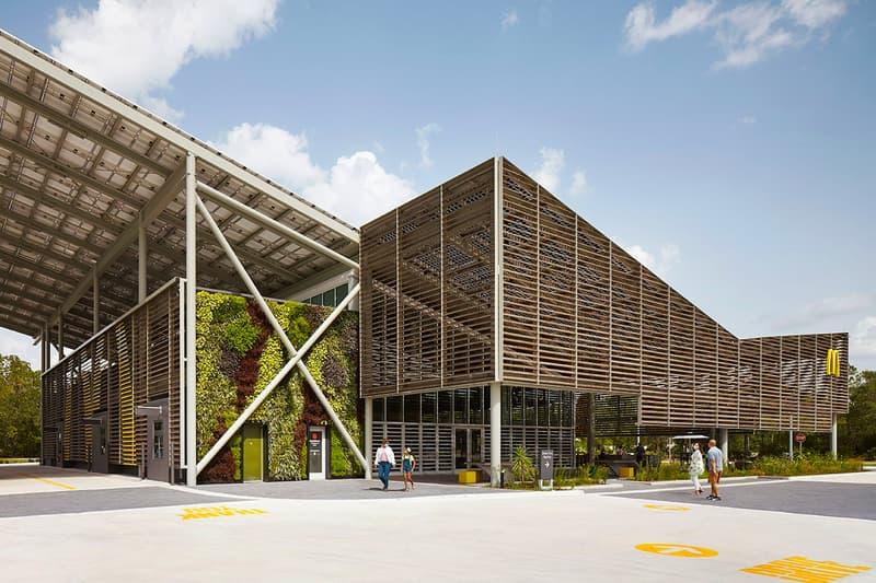マクドナルドが消費するエネルギーをゼロにした第1号店をオープン McDonalds Zero Energy Disney World florida Restaurant eco environment friendly