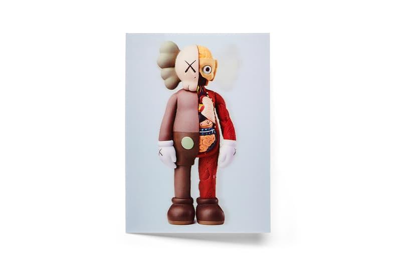 モマ デザイン ストアがギフトにも最適なカウズのマーチャンダイズを販売中 MoMA Design Store Launches KAWS Merch Collection