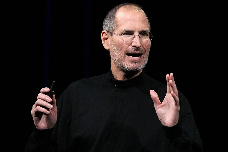故スティーブ・ジョブズが着用していたタートルネックの生地を埋め込んだiPhone 12が発売 CAVIAR custome IPHONE 12 steve jobs turtleneck release info