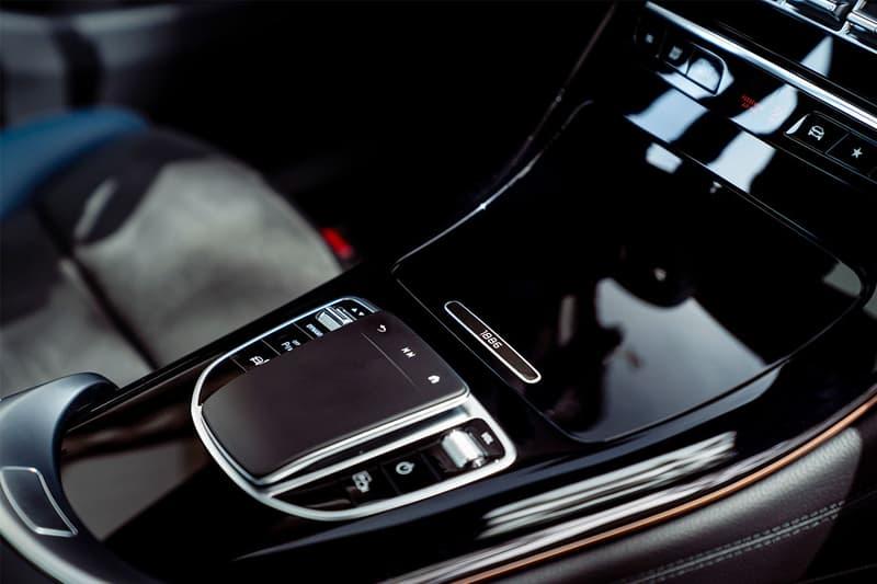 """Mercedes-Benz メルセデス・ベンツ初の電気自動車 """"EQC"""" にクローズアップ"""