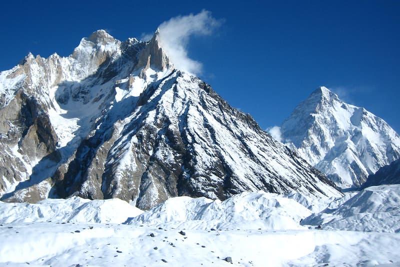 冬季未登頂峰だった世界第2位の高峰K2が遂に登頂される Nepalese team makes first successful winter ascent of K2