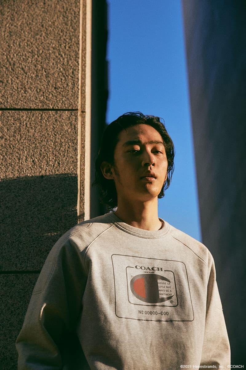 上杉柊平がストリートに着こなす Coach コーチ × Champion チャンピオン コレクション