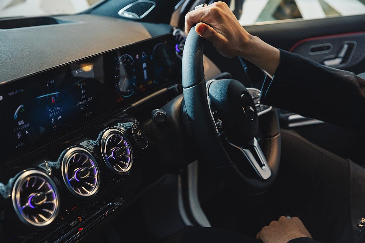 """Mercedes-Benz メルセデス・ベンツ の最新電気自動車 """"EQA""""の発表を記念した期間限定イベントに関口メンディーが潜入"""