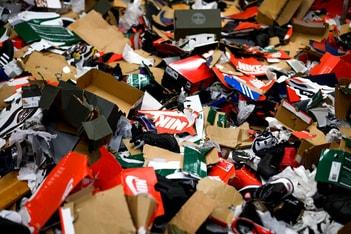 Picture of スニーカーショップ Offspring が転売防止のためにシューボックスを破壊して販売したところ炎上