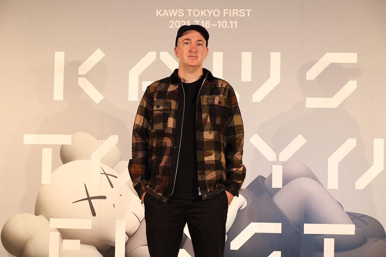 カウズ インタビュー Interview : KAWS が語る新たな出発点としての TOKYO FIRST に込めた想い