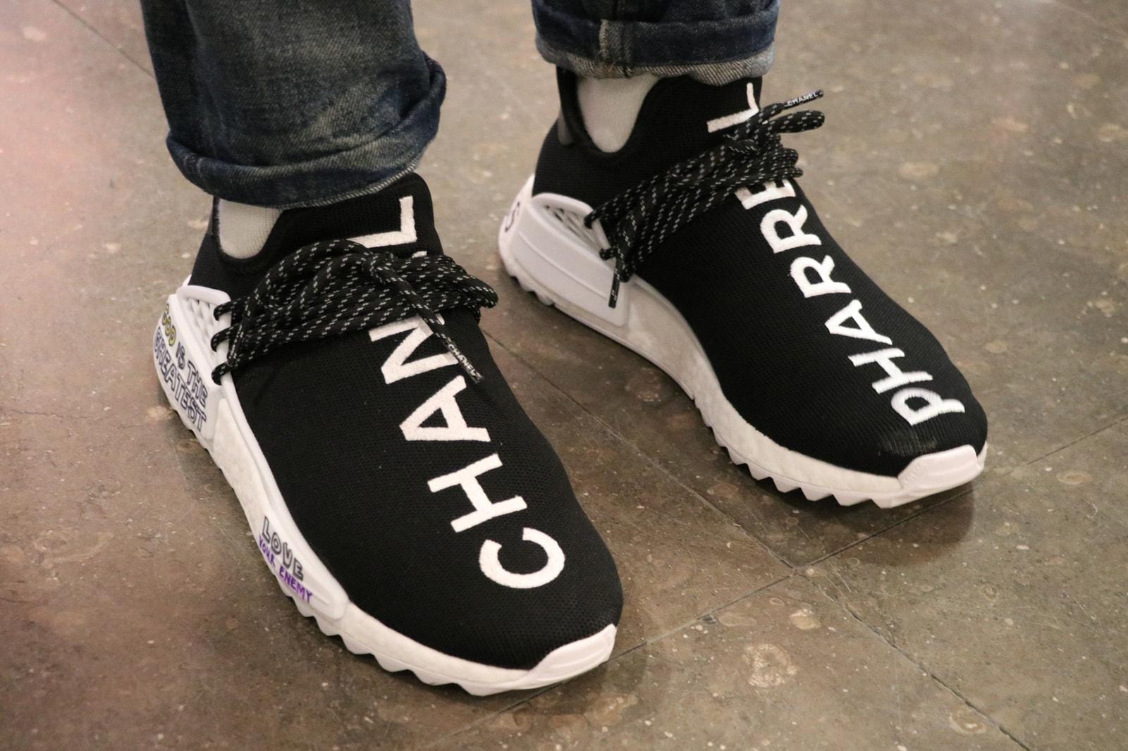샤넬 아디다스 오리지널스 퍼렐 휴 nmd 착용 사진 chanel adidas originals pharrell hu nmd on feet 2017