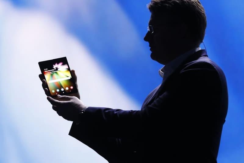 폴더블폰과 노치 디스플레이, 삼성이 공개한 새 스마트폰 혁신