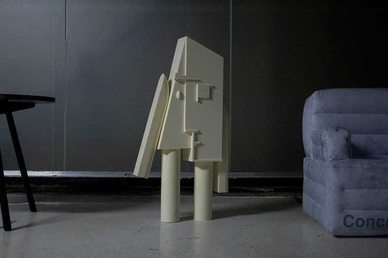 사무엘 로스와 프라다의 풍선 의자 2018 버너 팬톤 셀프리지스 콘크리트 오브젝트