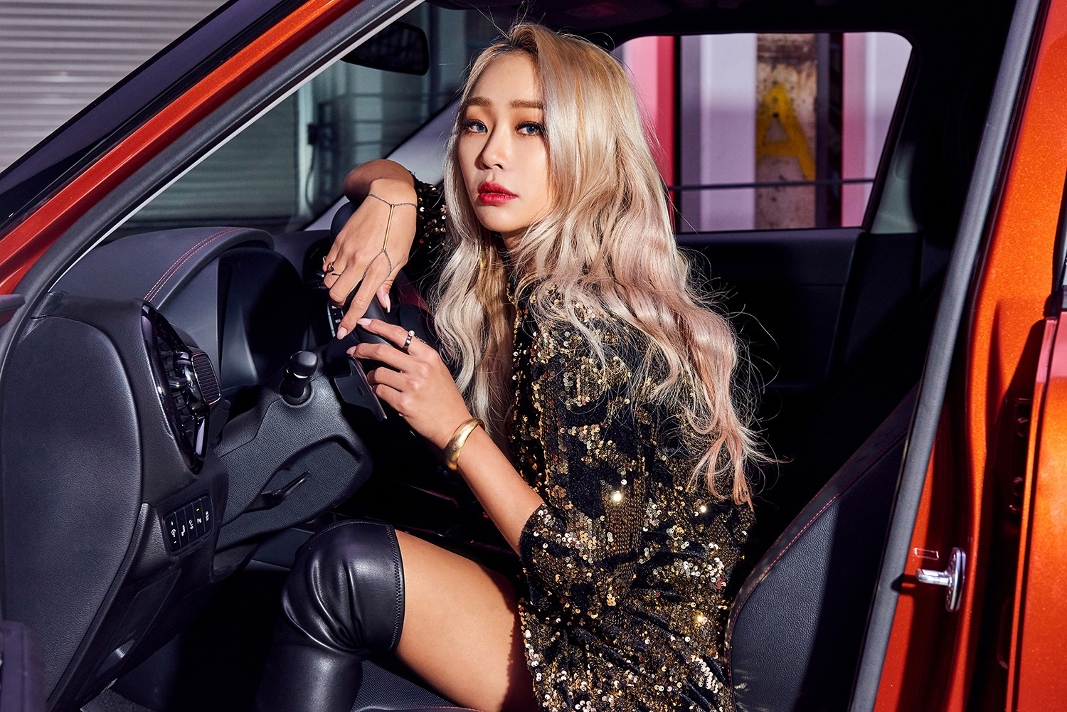 K-POP Star Hyolyn Kia Soul Interview red music asia green singing