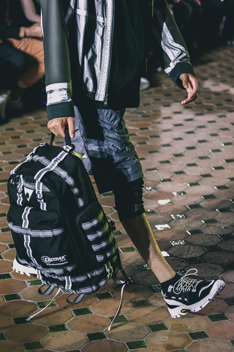 화이트 마운티니어링 x 이스트팩 가방 백팩 보스턴백 웨이스트백 리플렉티브 테이프