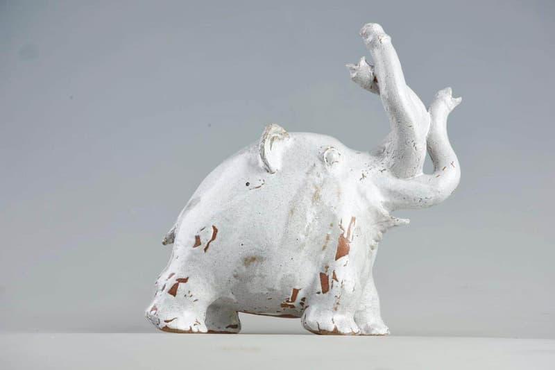 '천재 혹은 변태', 아라키 노부요시 x AP포트폴리오의 선정적인 조각품 2019