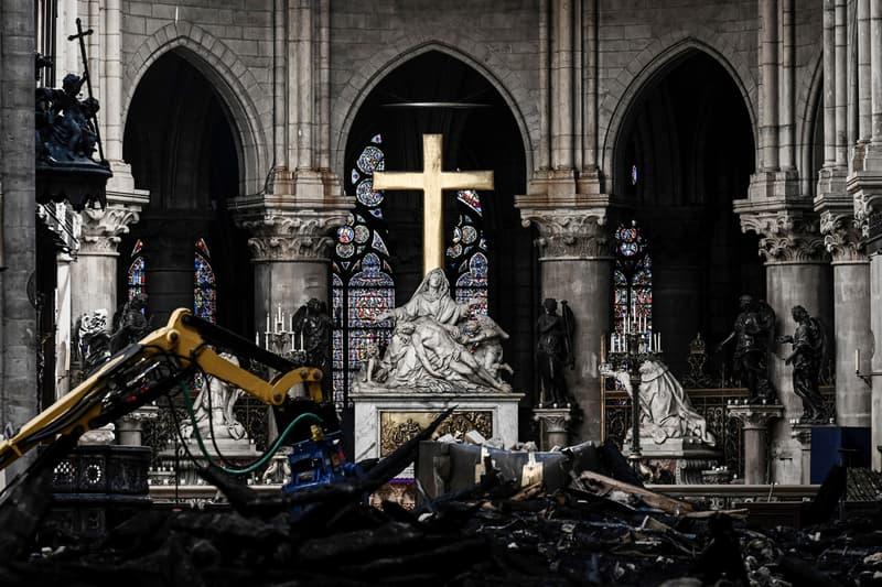 노트르담 대성당 재건 기부 전시, 파리 가고시안 갤러리 개최 무라카미 다카시 마크 뉴슨