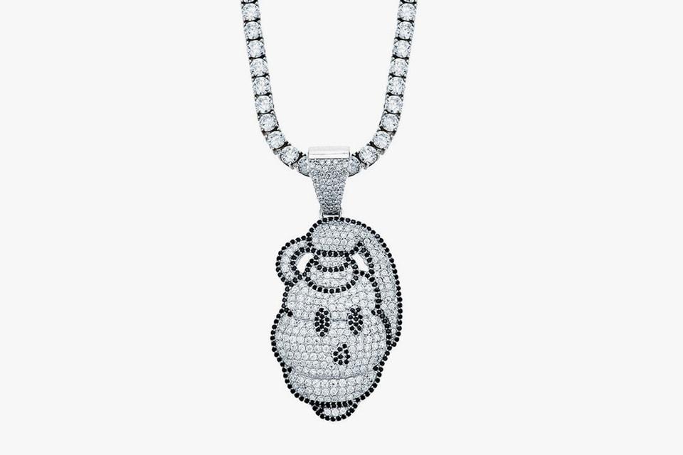 BTS, 에이셉 라키의 주얼리 디자이너 퀀테즈가 제작한 샘바이펜 목걸이
