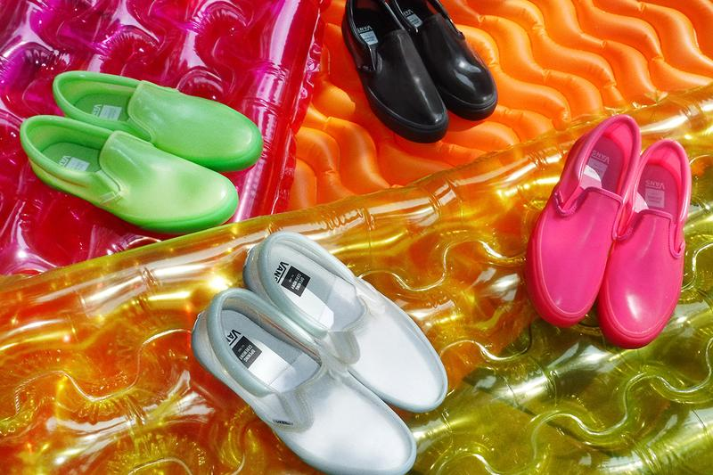 여름을 겨냥한 오프닝 세레모니 x 반스 협업의 투명 PVC 슬립온